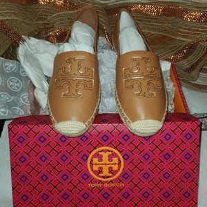 Authentic Tory Burch Flat Shoes 👠 (NWT)